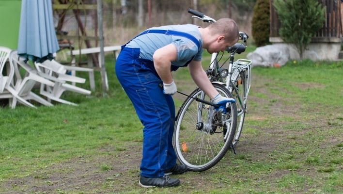 how to use a wrench force bike pump